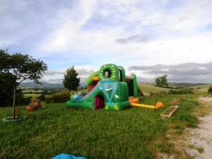 Noleggio affitto gonfiabili per bambini compleanni feste perugia umbria mod maxi giungla