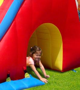 Noleggio affitto gonfiabili per bambini compleanni feste perugia umbria mod maxi scivolo